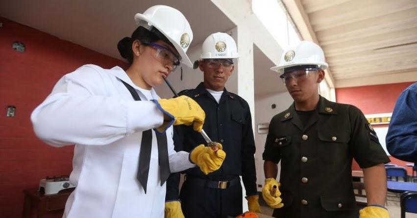 Soldados se gradúan como técnicos instaladores de gas natural