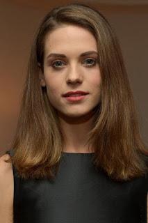 ليندسي فونسيكا (Lyndsy Fonseca)، ممثلة أمريكية نصف برتغالية