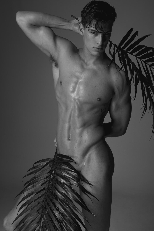 Michael Fitt Nude