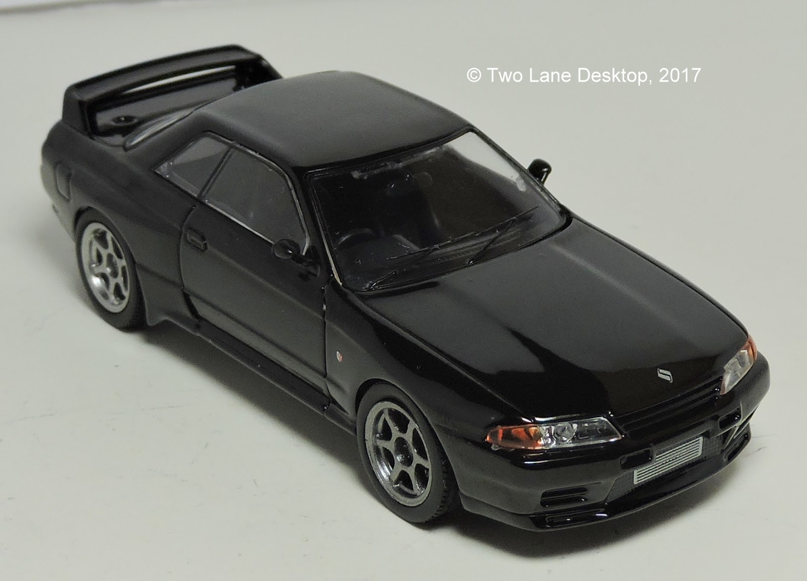 the best of the buck and the entire range of greenlight 1 43 s at the moment is this 1989 skyline gt r r32 from the fast and furious movie franchise