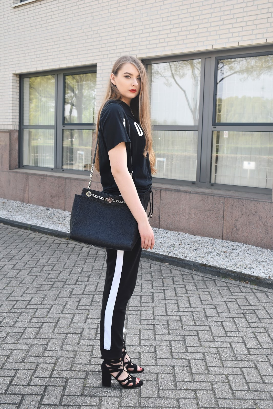 stylizacje spodnie dresowe