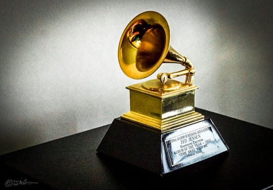 Obama, Clinton, Carry Fisher y otros sorprendentes ganadores del Grammy