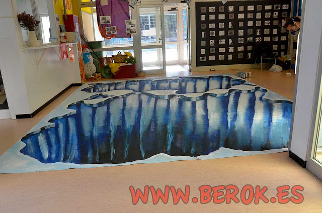 Trampantojo pintado en colegio