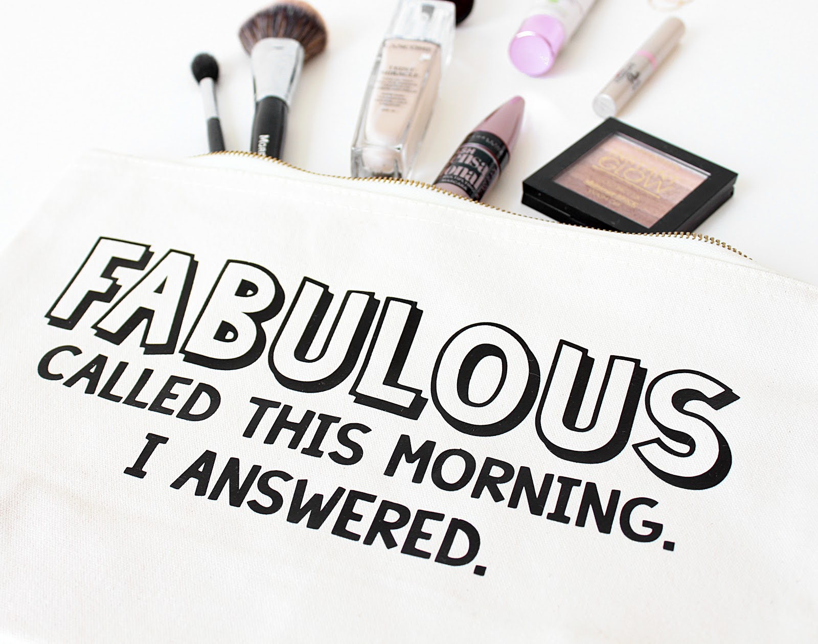 What's In My Makeup Bag - Life in Excess Blog