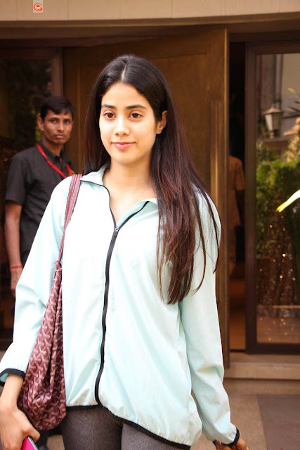 Sridevi daughter Jhanvi Kapoor New Images