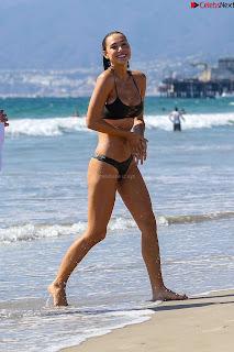 Alexis Ren in Bikini Stunning  Wet Babe ~ .xyz Exclusive 002