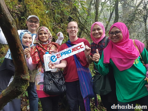 EziProject bersama orang putih di Gunung Brinchang Cameron