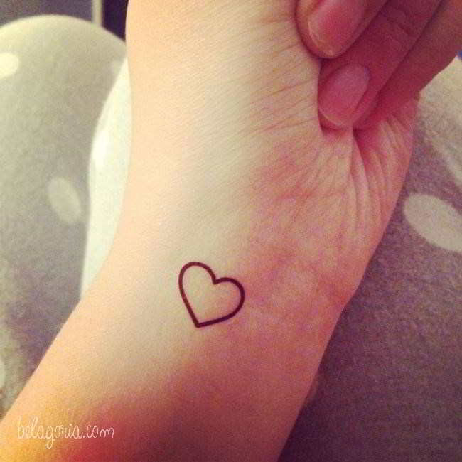 Tatuajes De Corazones Pequenos Para Mujeres En El Hombro