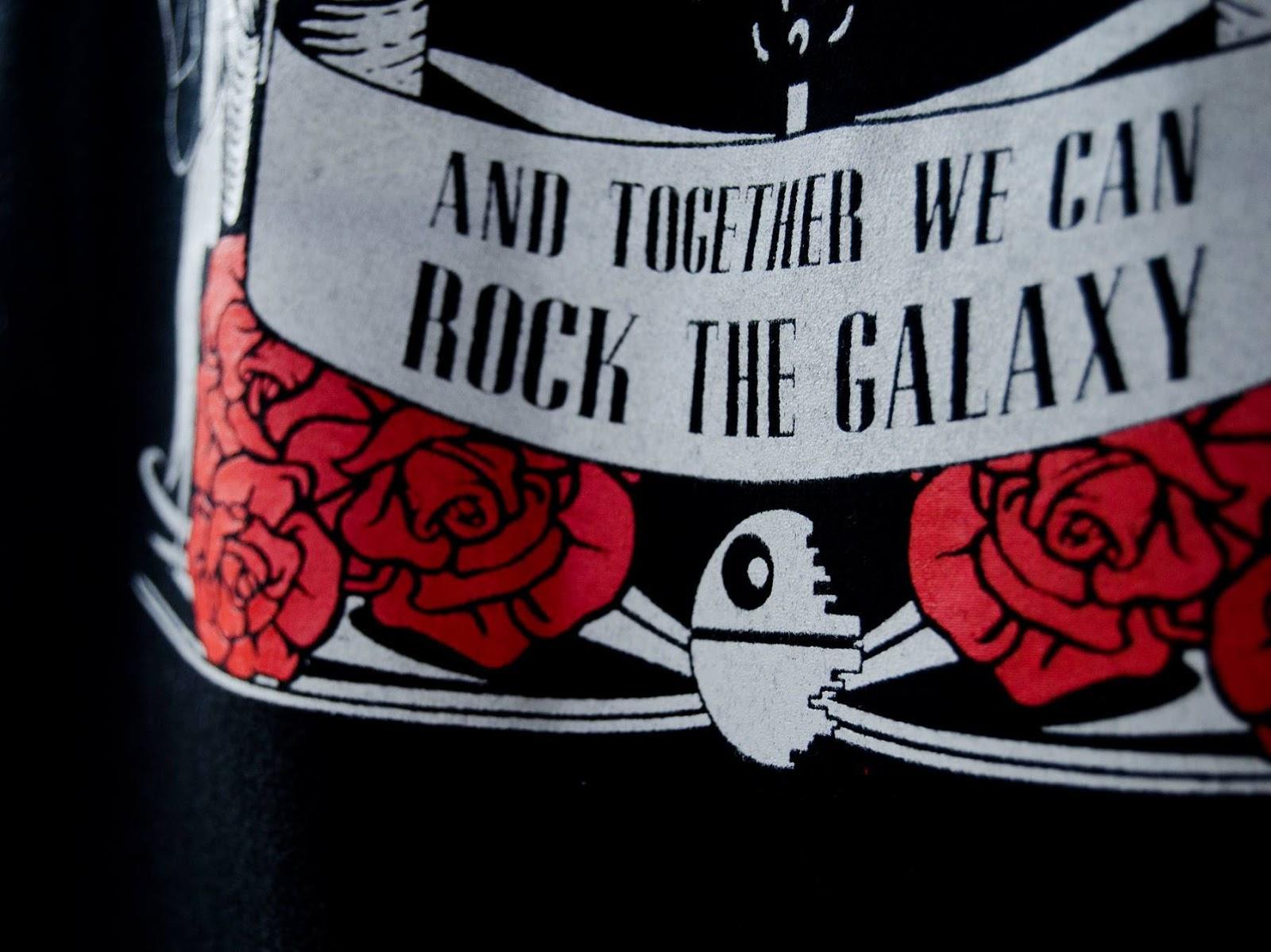 http://svoriginal.com/camisetas/1104-camiseta-rock-the-galaxy.html