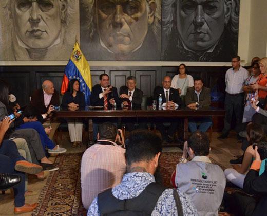 """Diputados de la AN aseguran que """"se activó la Carta Democrática"""""""