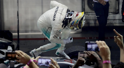Lewis Hamilton Raih Pole Position dan Cetak Rekor Waktu Baru di Sesi Kualifikasi F1 GP Suzuka