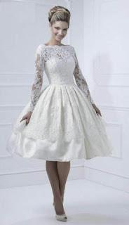 vestido de noiva curto com detalhe nas costas