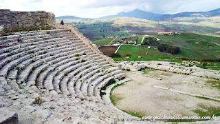 segesta teatro vale guia brasileira - Área arqueológica de Segesta na Sicília