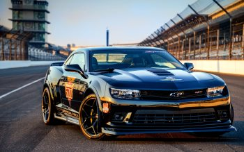 Wallpaper: Chevrolet Camaro Z28 Indy 500 Pace Car