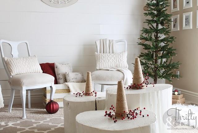 红色和白色圣诞装饰