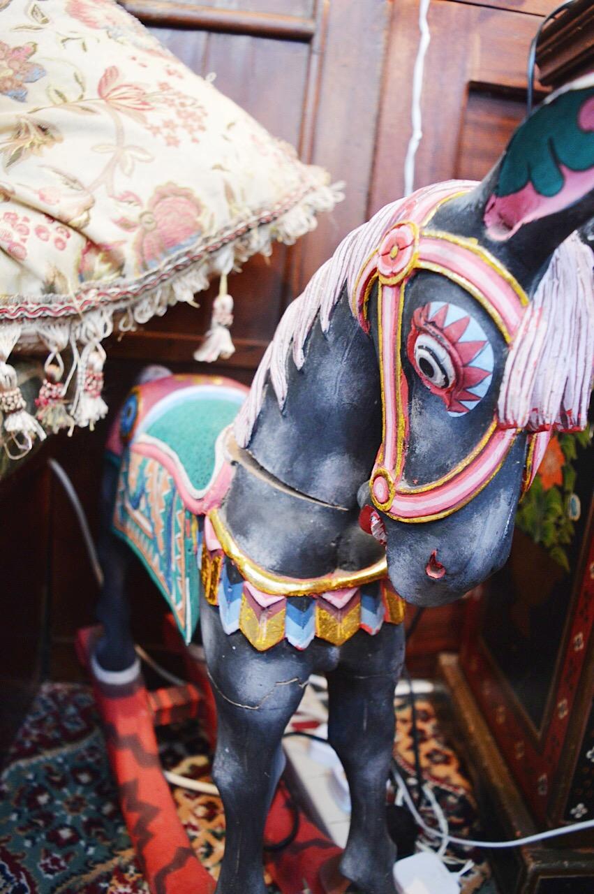 Ninks Wagon, circus wagon, lifestyle bloggers, FashionFake blog, travel bloggers