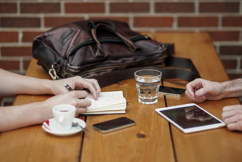 Material Terbaik untuk Membuat Meja Kantor, Particleboard, Blokteak, Banyak sekali furniture kantor yang menjadi kebutuhan penting misalnya kursi dan meja kantor