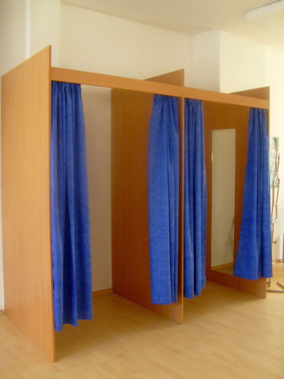 ladenbausystem textil gebraucht kaufen ladeneinrichtung gebraucht. Black Bedroom Furniture Sets. Home Design Ideas