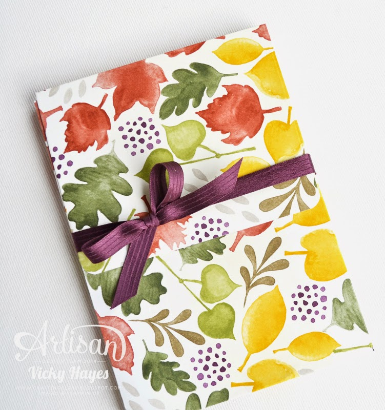 UK demonstrator Vicky Hayes shows how to make a box close with Stampin' Up ribbon in Blackberry Bliss