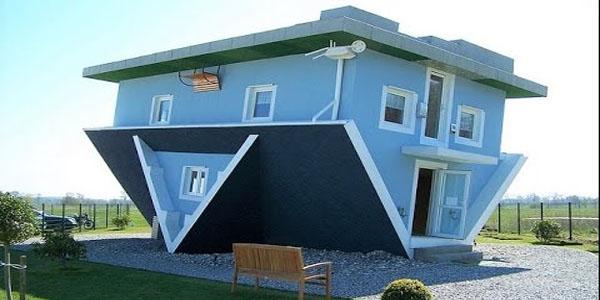 Maison Construite à L'envers