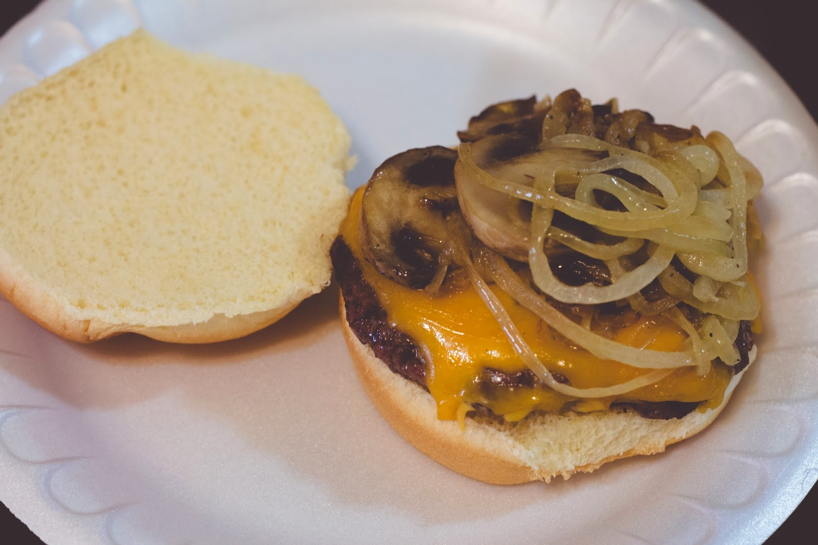 Summer Grilling Series: The Perfect Grilled Cheeseburger!