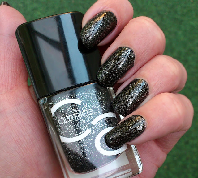 Catrice-ICONails-53-Darkness-Before-Pleasure