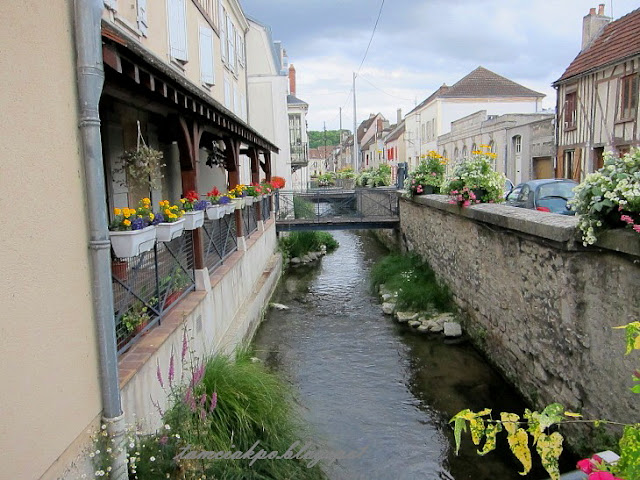 Beautiful stream in Provins
