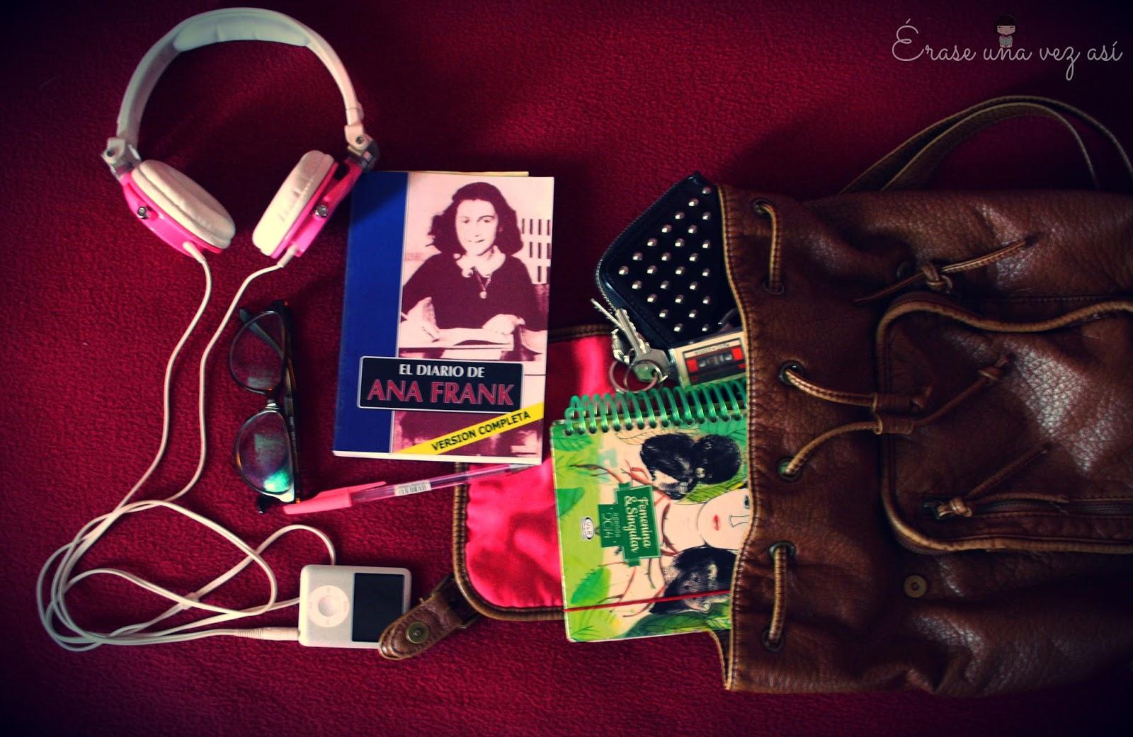 Accesorios de un lector, regalos para un lector, hipster book, mochila vintage, libro de ana frank, outfits de un lector
