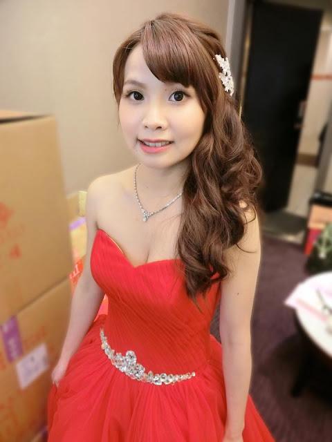 紅色禮服 | 敬酒造型 | 送客造型 | 波浪捲髮