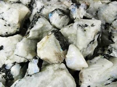 Piedra de la luna / adularia en bruto - foro de minerales