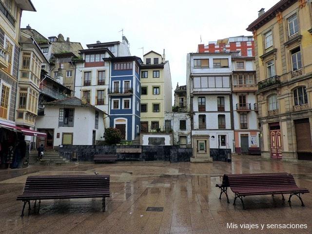 Plaza Carmen y Severo Ochoa de Albornoz, Luarca, Asturias