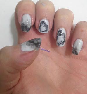 penguins_on_ice_nail_art