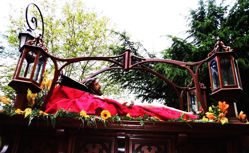 Santo Cristo del Desenclavao como yacente. Hermandad del Desenclavo. León. Foto G. Márquez.