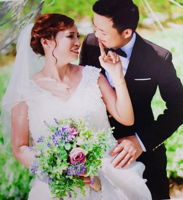 Chú rể 26 tuổi khẳng định yêu và lấy cô dâu 62 tuổi vì tình cảm chân thành
