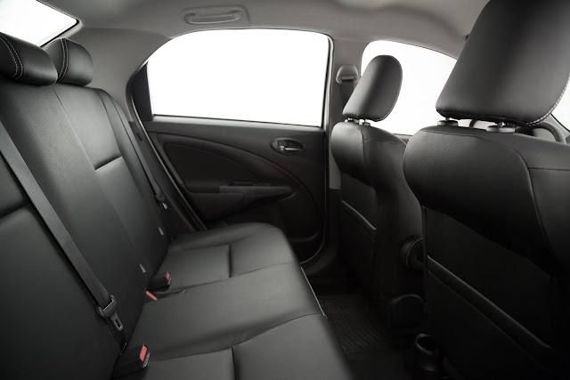 Novo Toyota Etios Sedã 2017 Automático - interior