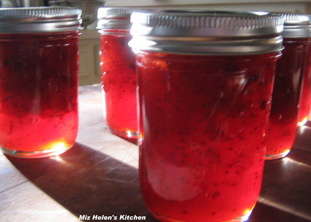 Christmas Canning In July at Miz Helen's Country Cottage