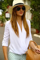 http://www.romwe.com/White-V-Neck-Dip-Hem-Loose-Blouse-p-109341-cat-670.html?utm_source=beautybygaby.blogspot.com&utm_medium=blogger&url_from=beautybygaby