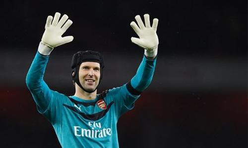 Petr Cech thủ môn số một của Arsenal hiện tại