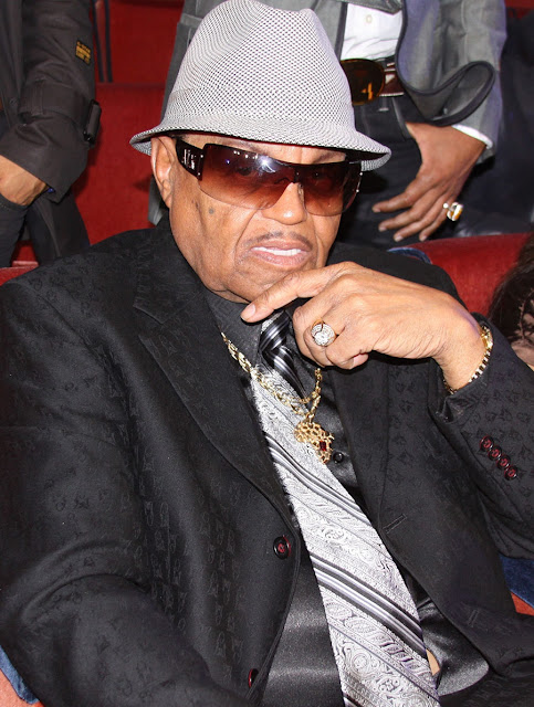 Jackson Family Pays Tribute to Joe Jackson On Social Media
