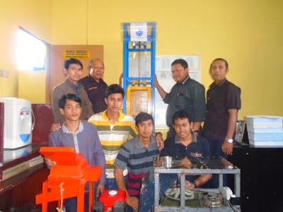 Mahasiswa Teknik Mesin Fatek UMSU Ciptakan Lift Mini