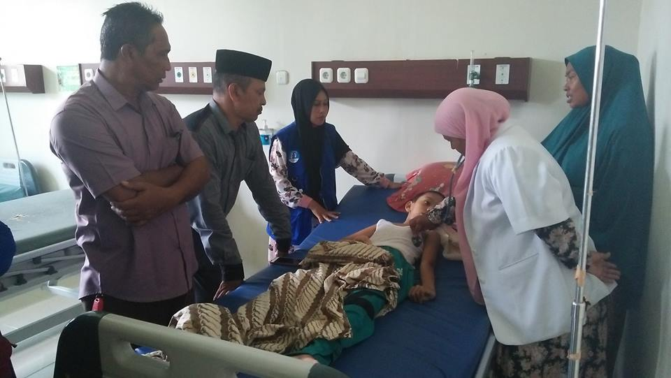 Lembaga Peduli Dhuafa Aceh Timur  Langsung Bawa Pasien Oedema Serebri kerumah sakit untuk menjalani perawatan