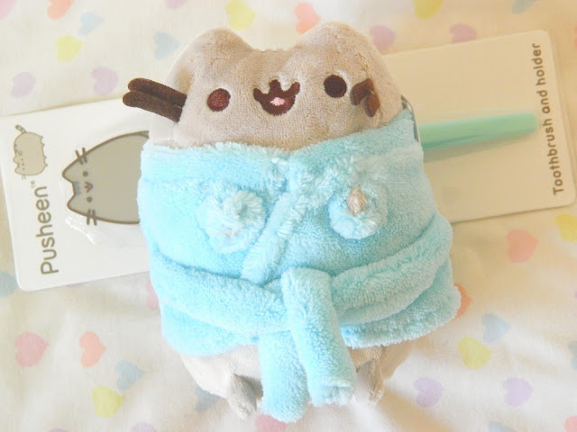 A photo showing a plushie from the Pusheen Box Autumn 2018