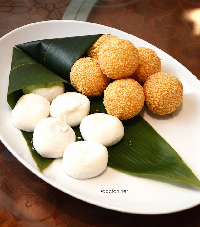 Crispy Deep-fried Sesame Balls with Salted Egg Yolk Custard and Durian Mochi