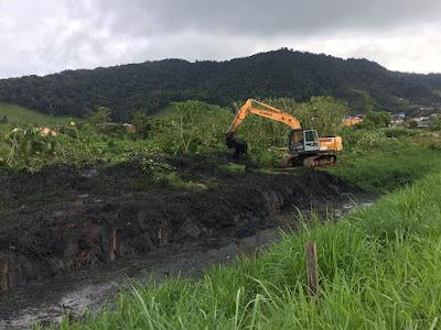 Prefeitura começa Operação de Limpeza de Valas na Avenida Brasil em Juquiá