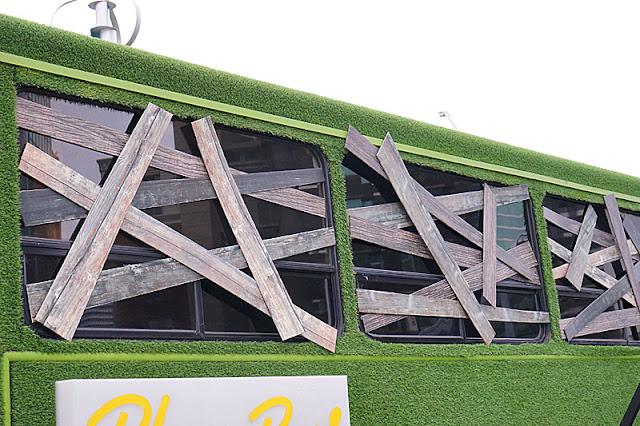 DSC05989 - 勤美綠園道恐怖巴士來襲│吸血鬼的棺材、骷髏人監獄與胯下往後看的俏皮鬼