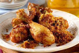 Bikin Tumpeng Untuk Lomba 17 Agustus Kurang Lengkap Tanpa Ayam Goreng Kuning Tabur Serundeng Cita Rasa Klasik