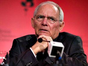 Handelsblatt: Ο Σόιμπλε εμπόδισε την επιβολή κυρώσεων σε Ισπανία και Πορτογαλία