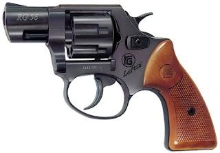 bán súng bắn đạn cao su rg56, ban sung ban dan cao su gia re
