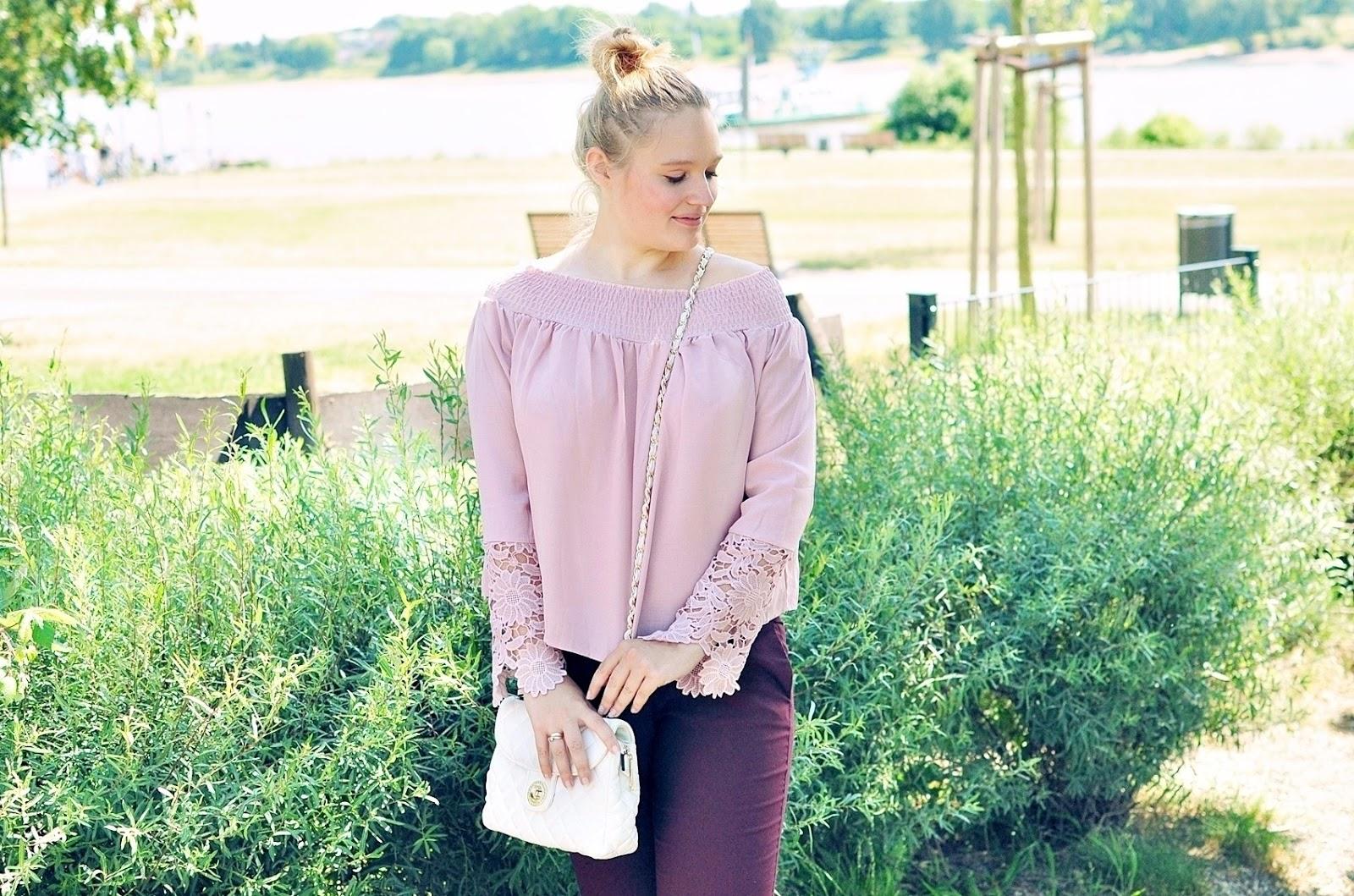 bluzka-pastele-koronka