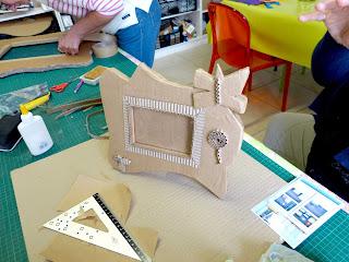 cours à l'année et ponctuels de création de meubles et objets en carton recyclé par Cartons Dudulle à Albi